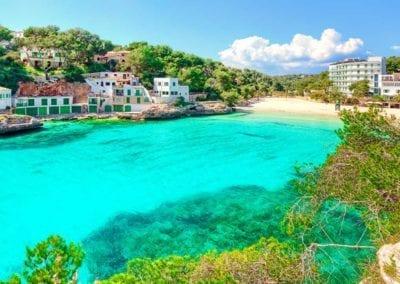 mydaycharter.com Yachtcharter Mallorca Aussicht auf Bucht und Strand