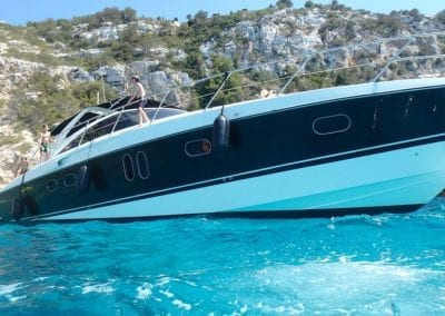 mydaycharter.com Mallorca Yachtcharter Pearl Backboard Ansicht vom Wasser