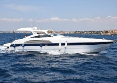 mydaycharter.com Mallorca Yachtcharter Alfamarine Hafeneinfahrt