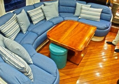 mydaycharter.com Mallorca Yachtcharter Conam innen Couch