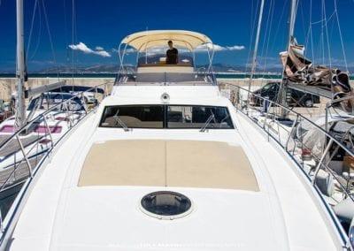 mydaycharter.com Mallorca Yachtcharter Diva Sicht vom Bug im Hafen